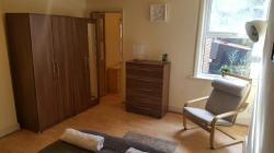 DOUBLETRIPLE-STUDIO-FLAT-IN-WILLESDEN-ZONE-2--WITH-SEPARATE-KITCHEN-England-Greater-London--10104