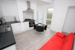 FULLY-RENTED-SOUGHT-AFTER-SALFORD-UNIVERSITY-4-BED-England-West-Yorkshire--10091