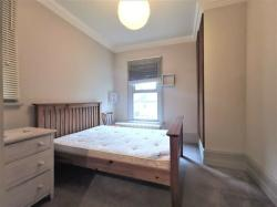 Stunning-double-room-available-in-3-bedroom-flatshare-located-in-High-England-Greater-London--10095