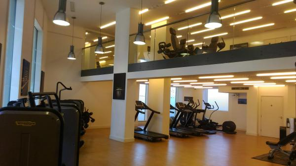 2-ensuite-double-rooms-in-luxury-flat---LIVING-ROOM----COMMUNAL-GYM-England-Greater-London--10117